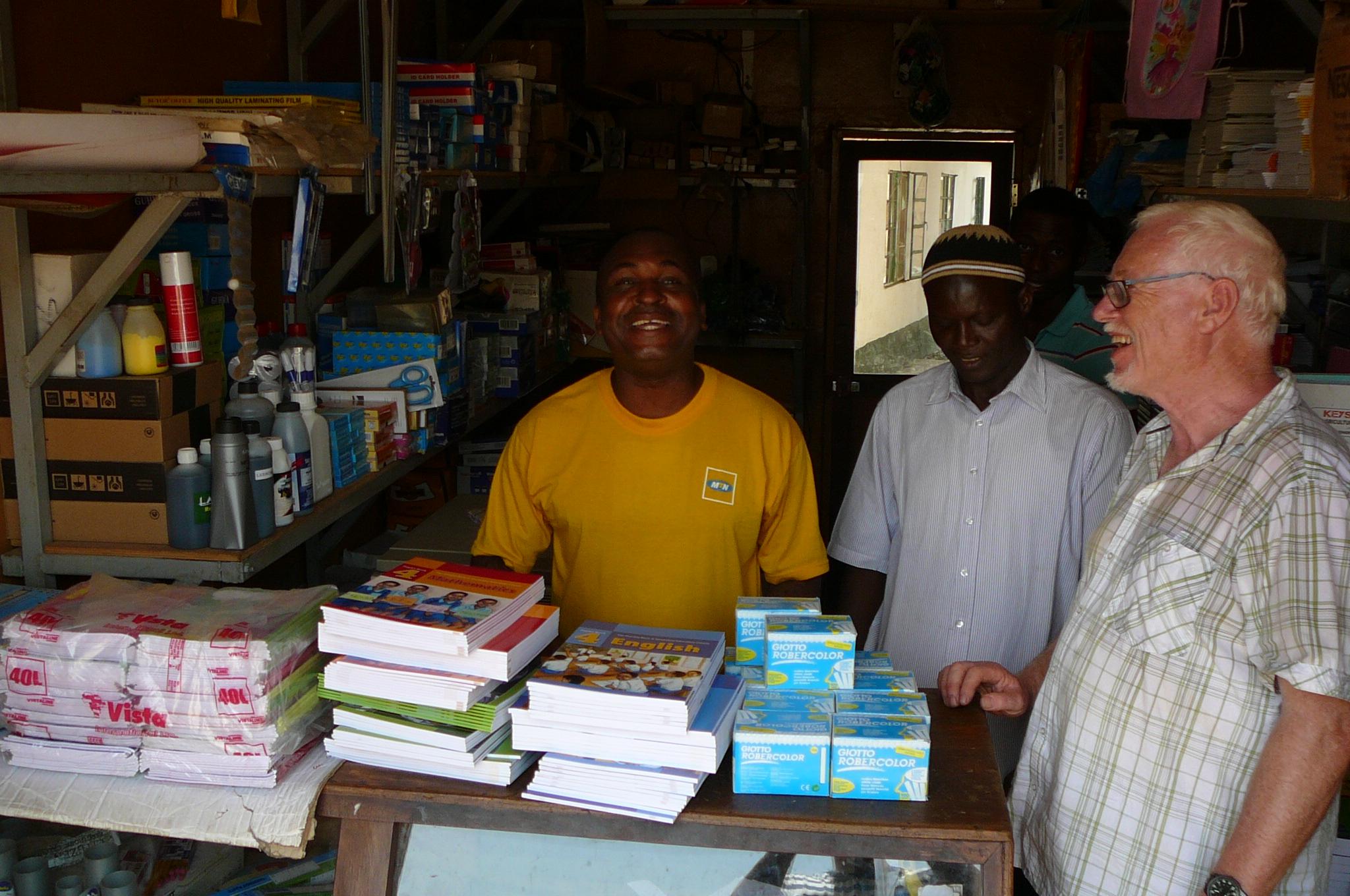 Einkauf v. Schulbüchern, Heften und Kreide