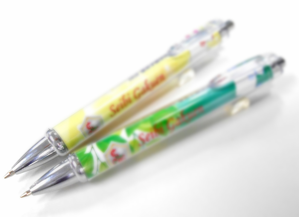 デザイン紙入りボールペンはグッズ製作で人気