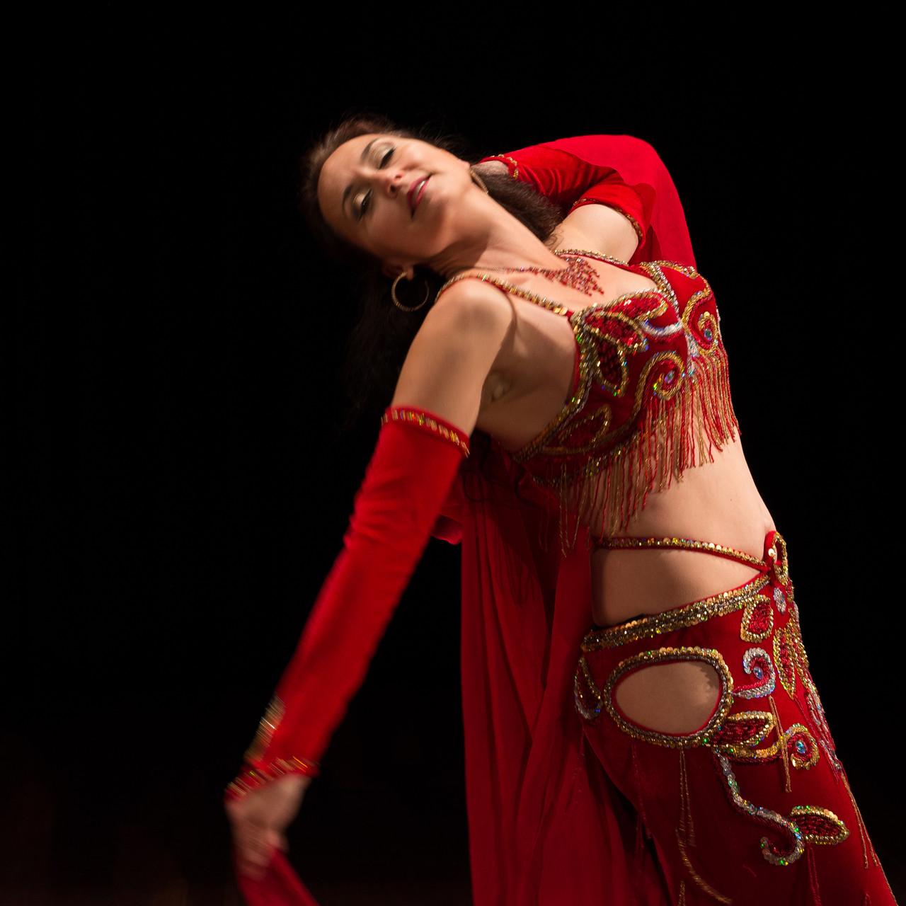 empfangend und offen...Nadja Ghazal, orientalischer Tanz in Bern und Thun