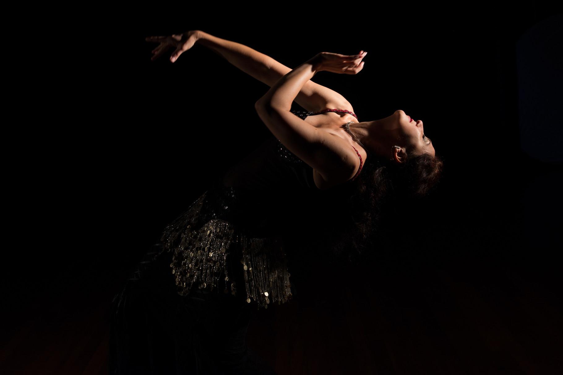...hingebungsvoll... Nadja Ghazal, orientalischer Tanz in Bern und Thun