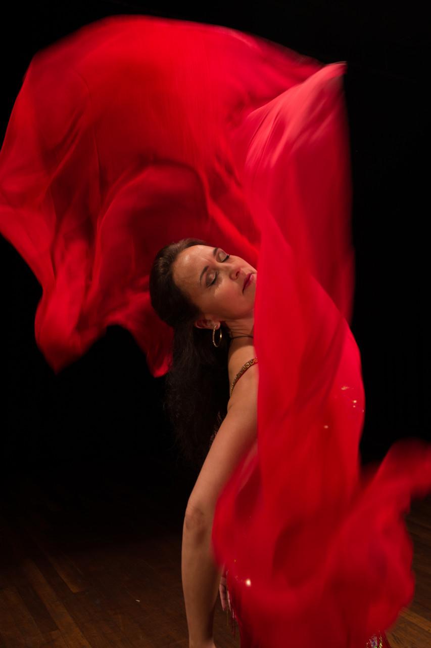 mühlelos empfangend... Nadja Ghazal, orientalischer Tanz in Bern und Thun