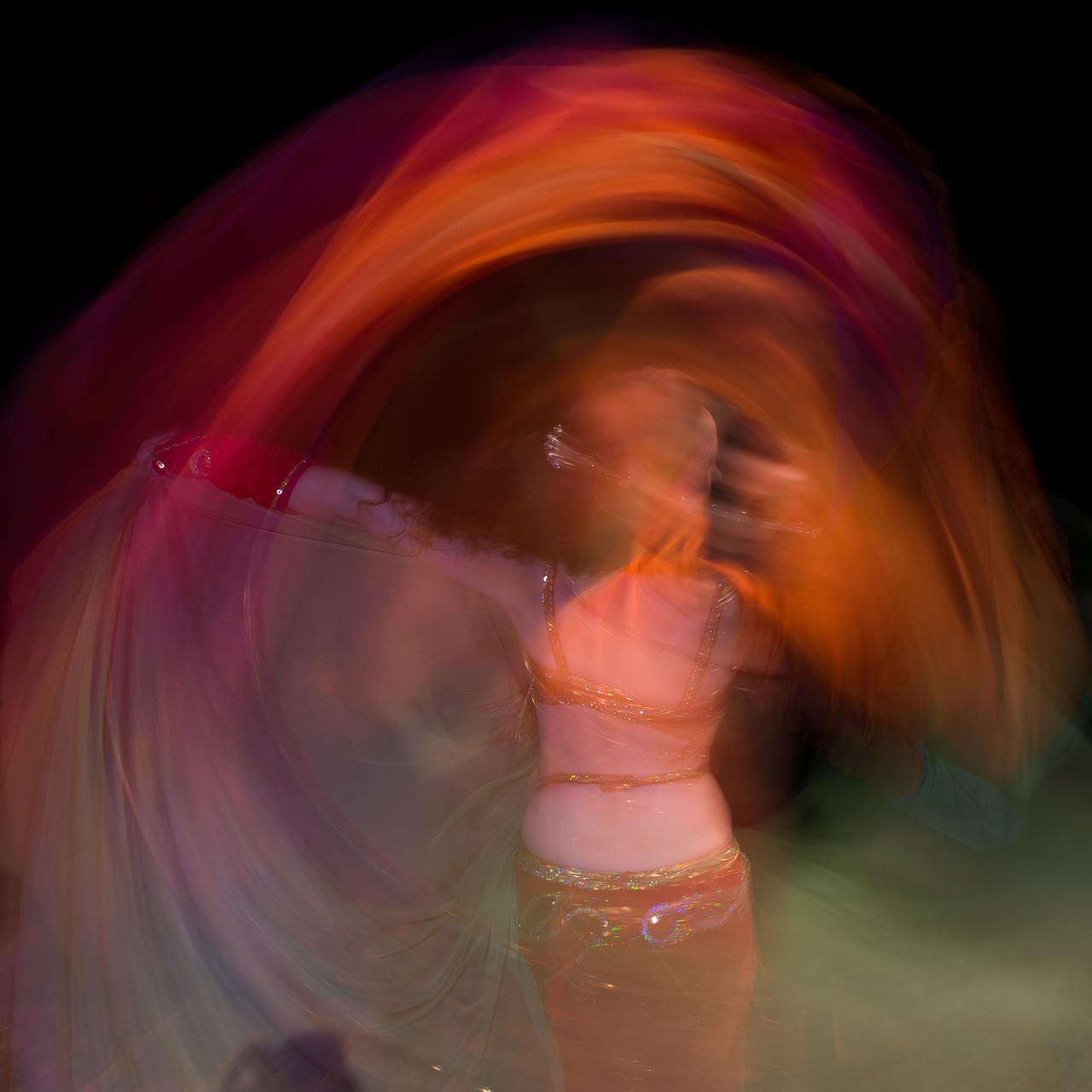 umhüllt und verschleiert... Nadja Ghazal, orientalischer Tanz in Bern und Thun