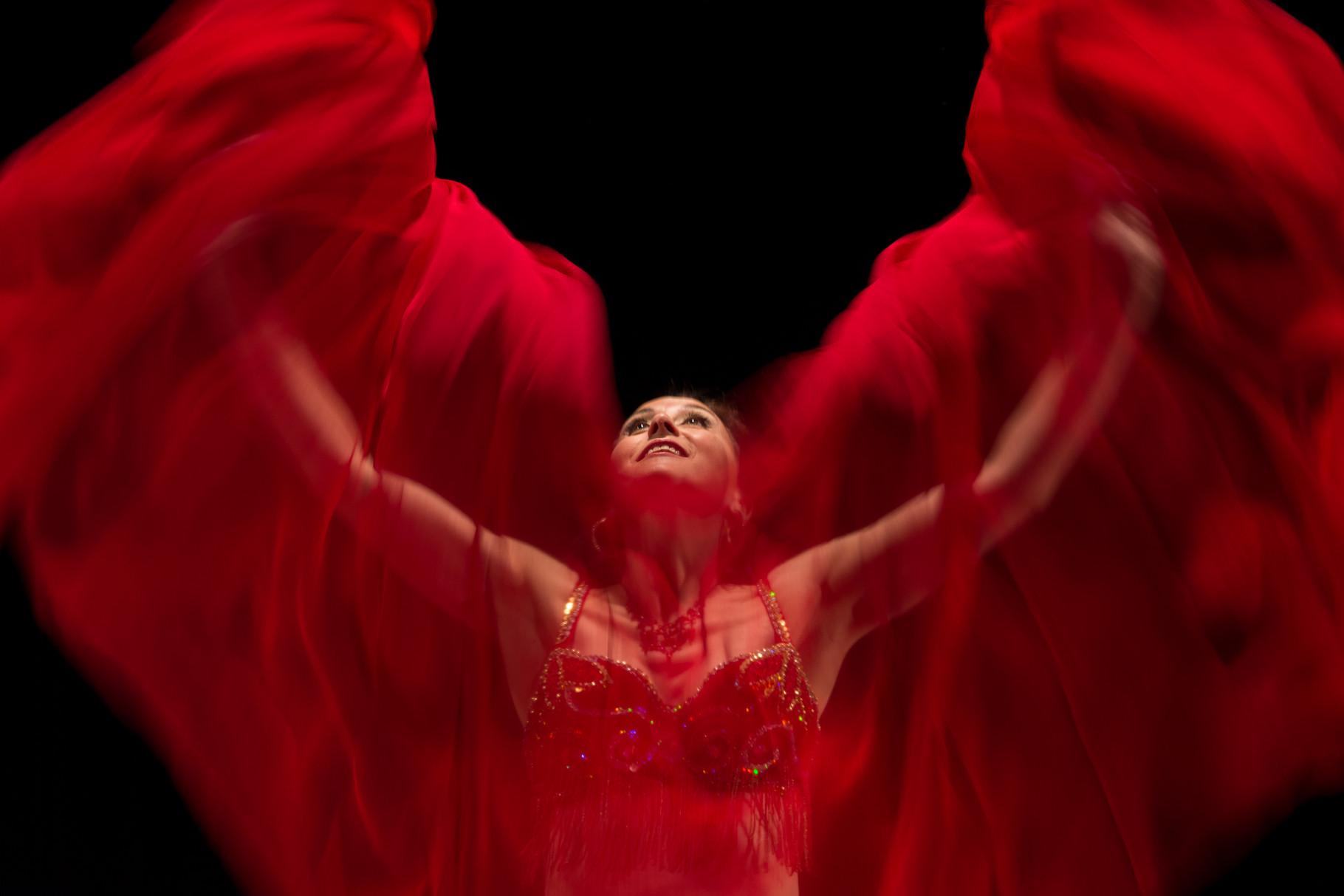 ein Hauch von Seide... Nadja Ghazal, orientalischer Tanz in Bern und Thun