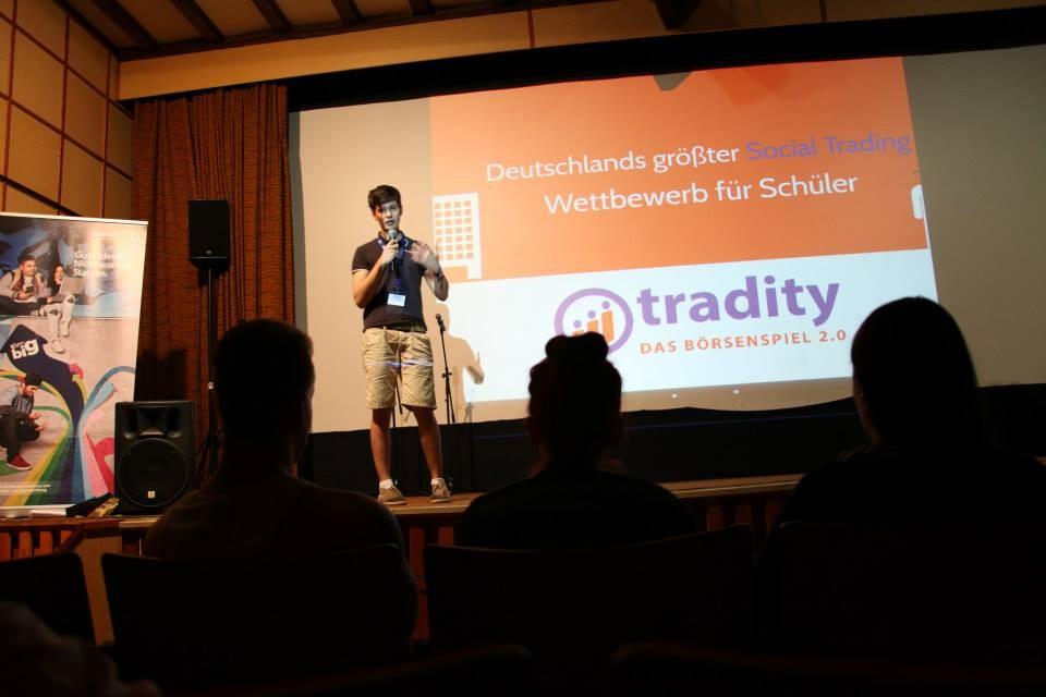 Es präsentierten sich unter anderem die Projekte Tradity, ein Online Börsenspiel... (Foto: Melanie Silies)