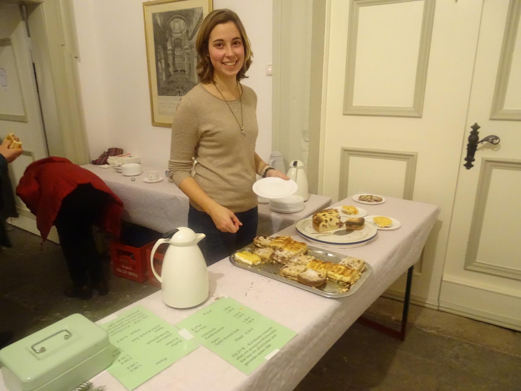 ... Kaffee & Kuchen im Schloss verkauft und in der Bratwurstbude zusammengearbeitet.