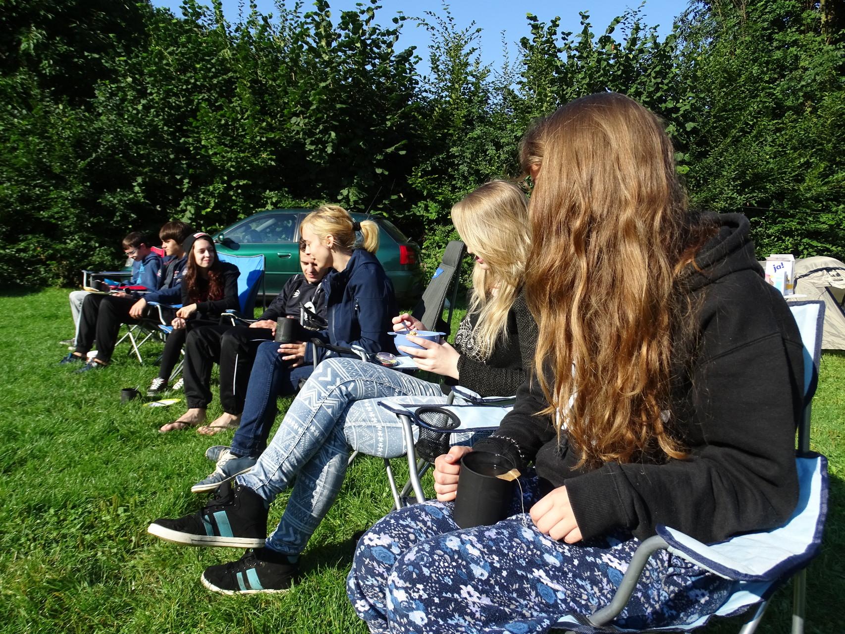 Am nächsten Morgen hieß es beim Frühstücken für viele erst einmal auftauen, denn die Temperaturen sanken nachts dann doch zügig. Trotzdem hatten wir tagsüber herrliches, sonniges Wetter!