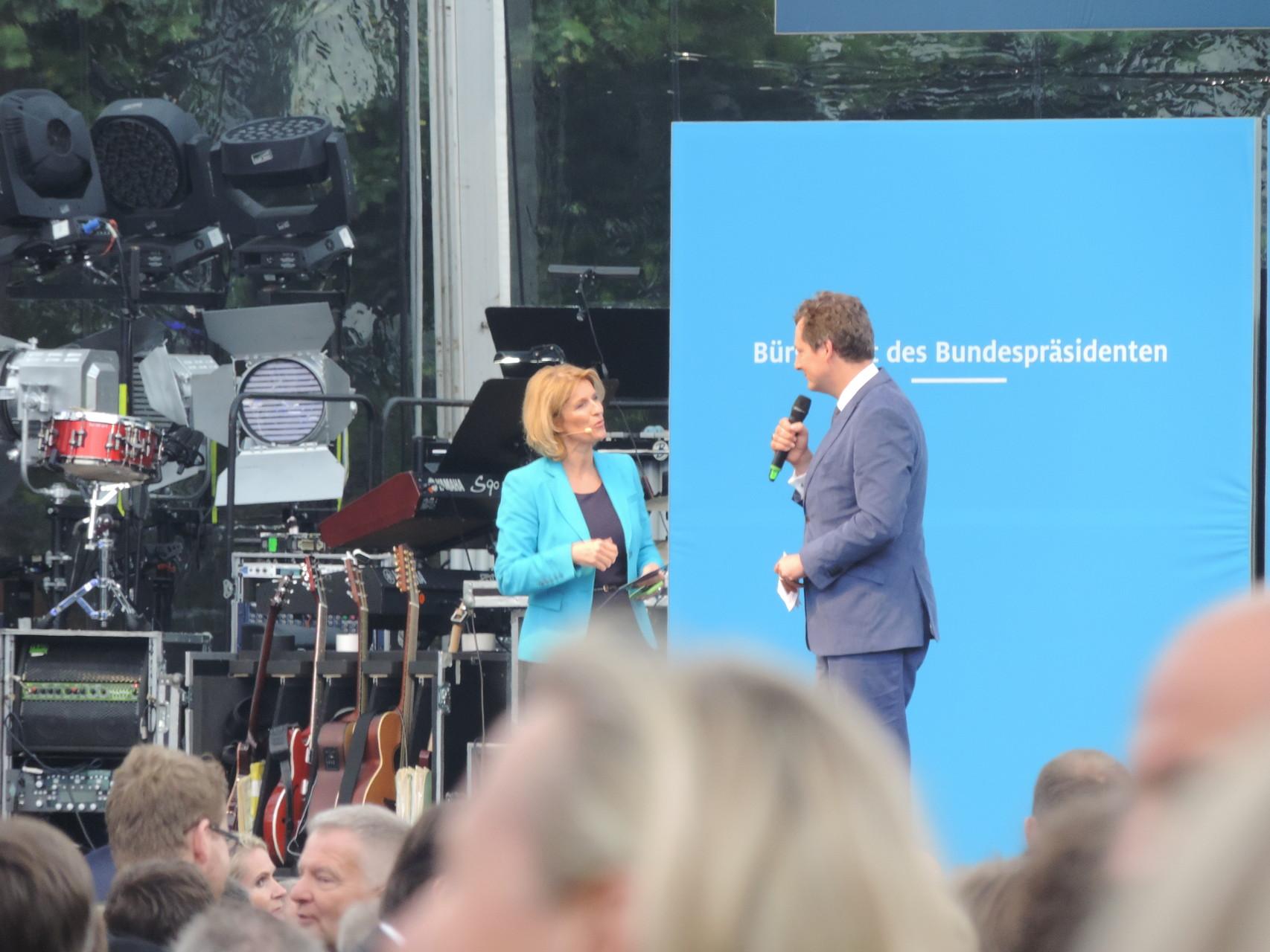Neben dem Bundespräsidenten Joachim Gauck eröffnete auch Moderator und Comedian Dr. Eckhart von Hirschhausen die Veranstaltung mit.