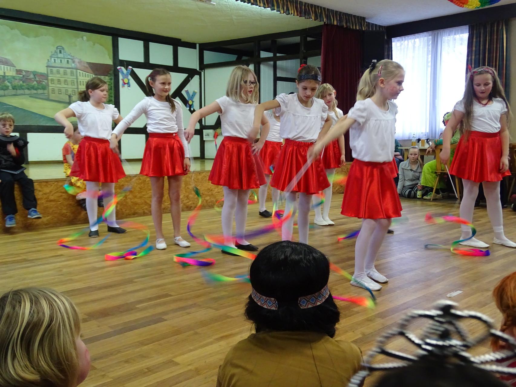 Und noch zwei Tanzeinlagen: die Pettstadter Tanzgruppe und...
