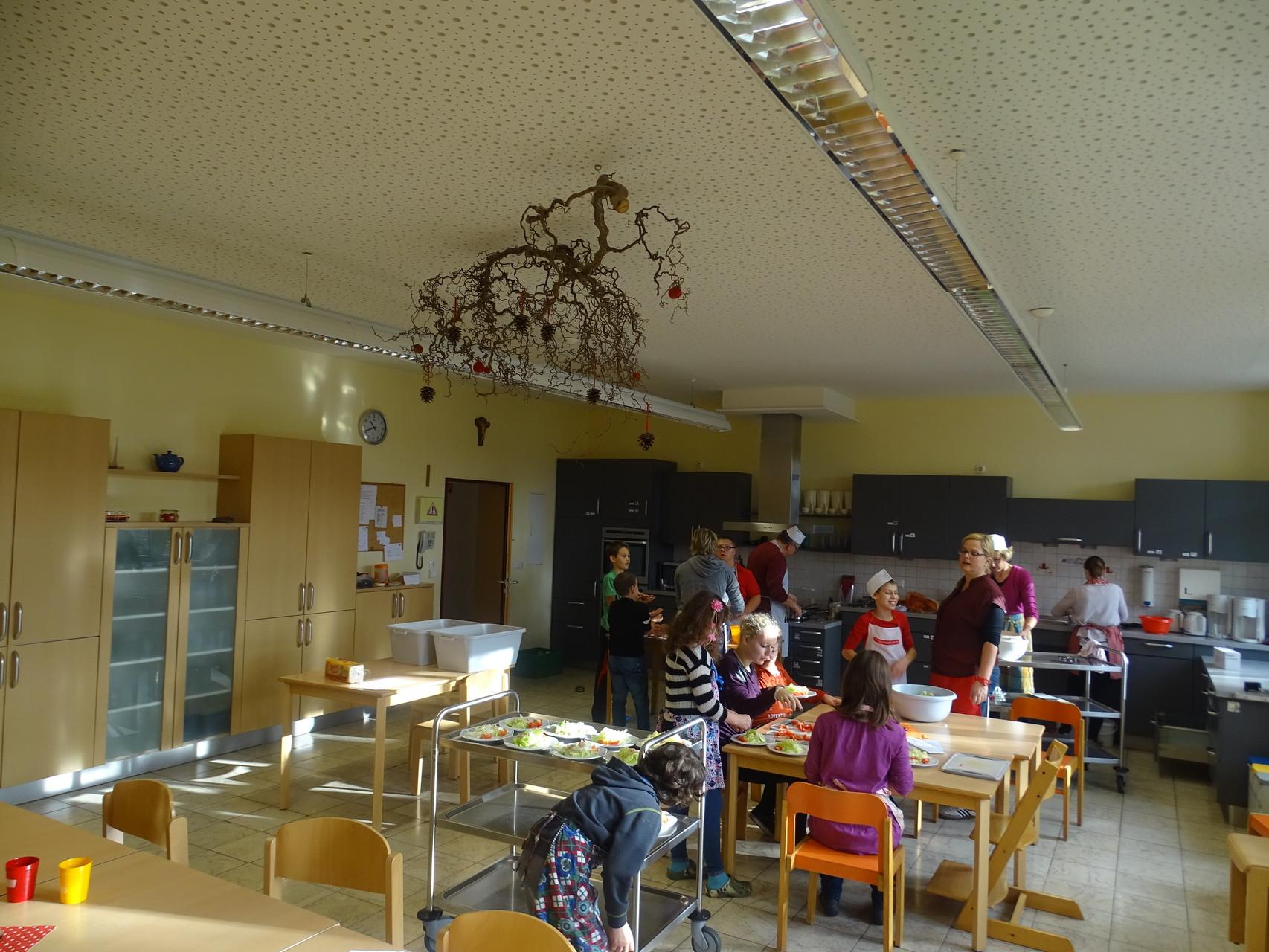 Ein großes Gewusel in der Küche der Lebenshilfe Ebern ;)
