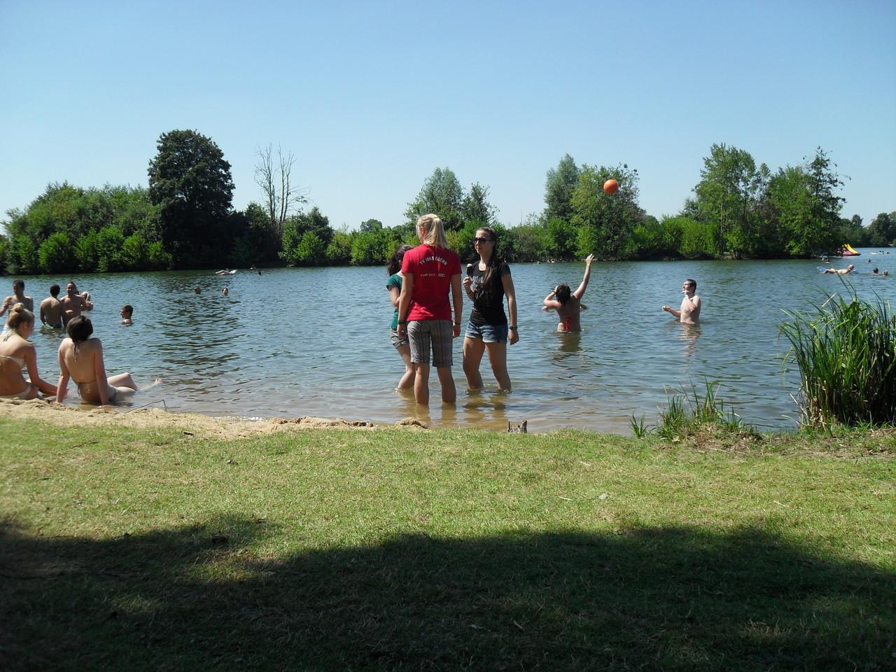 Gleich nebenan der idyllische Badesee Schweinfurts