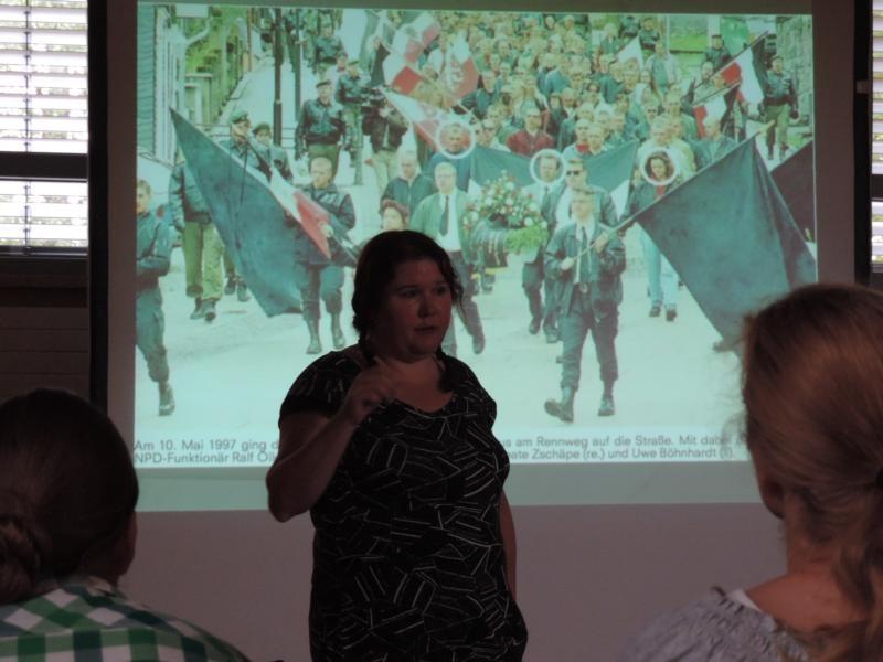 """Birgit Mair vom Institut für sozialwissenschaftliche Forschung, Bildung und Beratung hielt einen Vortrag zum Thema """"Neonazismus und Rassismus in Franken und Handlungsstrategien dagegen"""""""