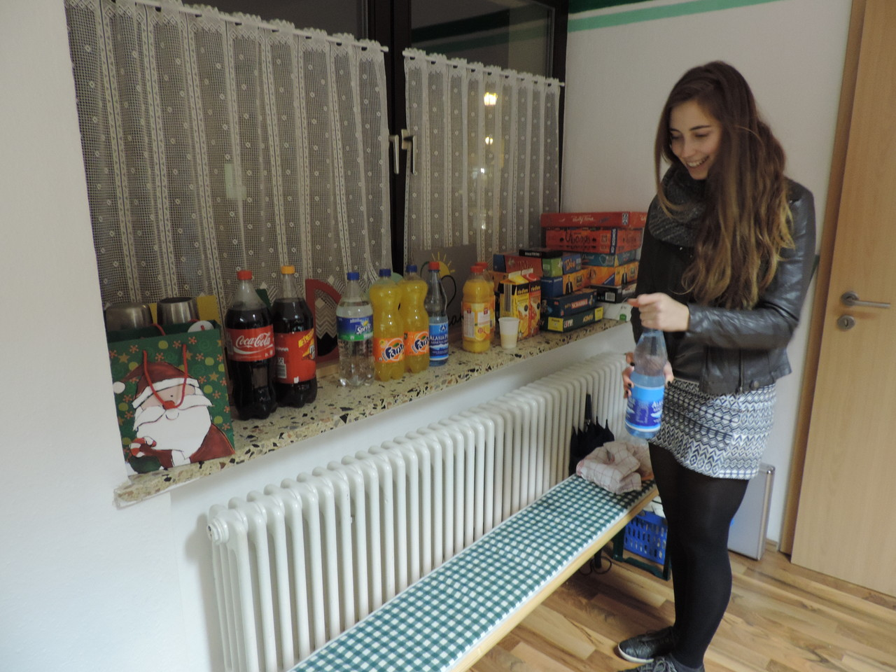 Fenja + Wasserflasche = Überforderung :D