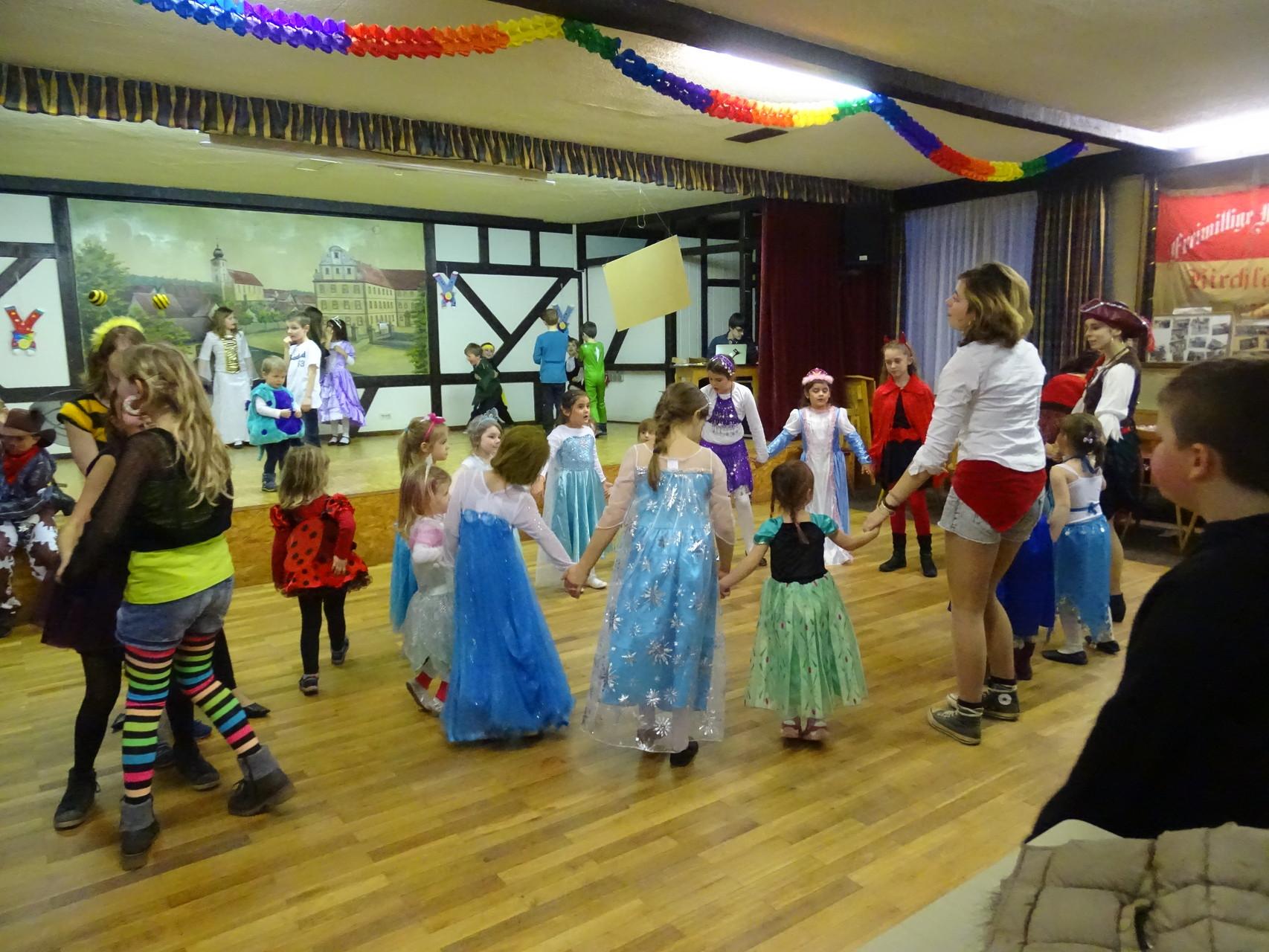 Bei so vielen Tanzauftritten hatten natürlich auch die Kids Lust selbst zu tanzen :)
