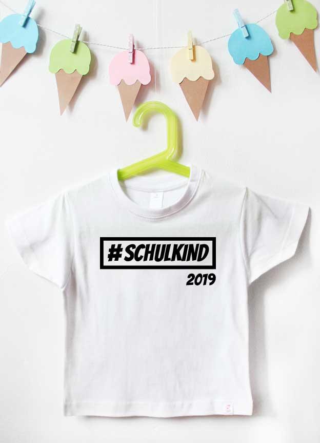 T-Shirt Einschulung | Hashtag Schulkind - weiß & schwarz
