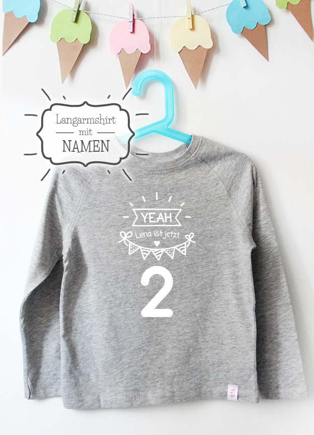 Geburtstag Langarmshirt mit Namen | Yeah 2 Jahre - grau & weiß