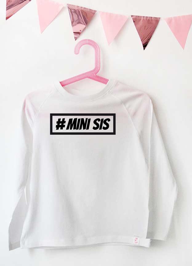 Geschwister Kollektion | Langarmshirt - Hashtag mini sis - weiß & schwarz