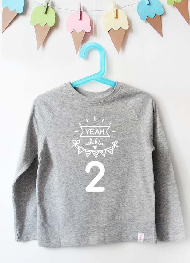 Geburtstag Langarmshirt | Yeah 2 Jahre - grau & weiß