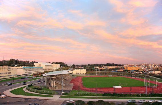 Estadio de atletismo ubicado en el Campus