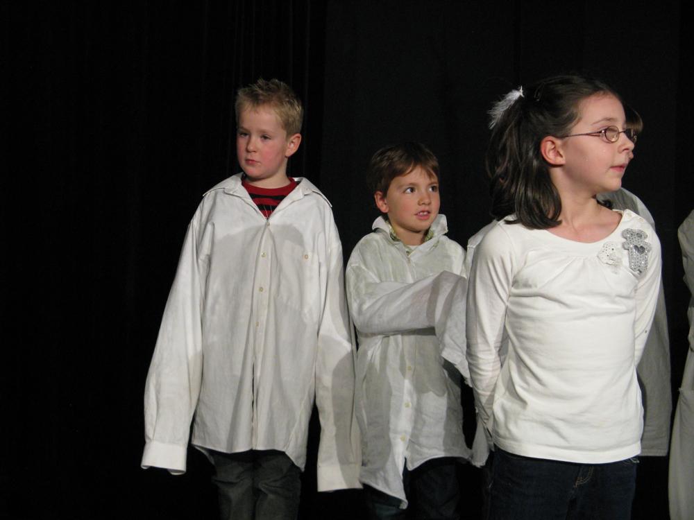 Galerie Kurs 5 «Kleine Engel ganz gross» 2008 - THEATER