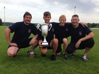 Die Sieger-Gruppe der Feuerwehr Oberthulba beim TSV Sommerfest 2014