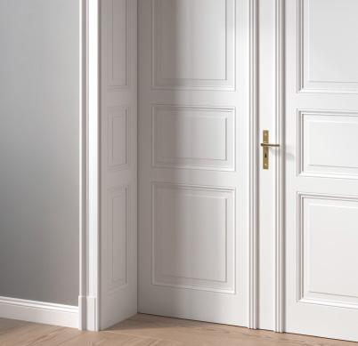 Altbau Tür weiß klassisch mit Kassetten