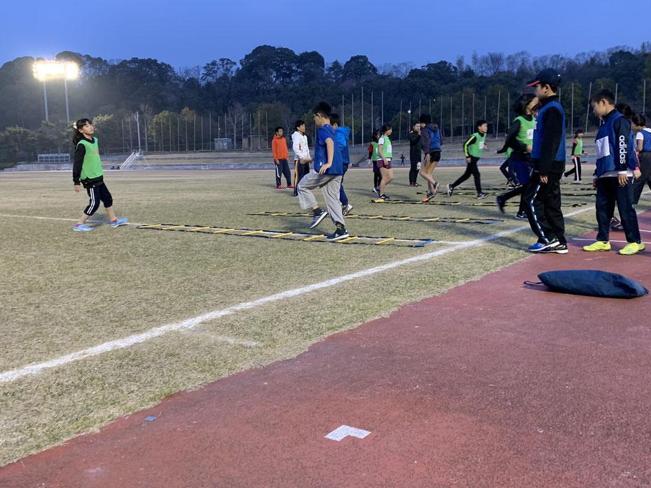 陸上競技の基本である「走る・跳ぶ・投げる」を学ぼう!5,6年生は記録会への参加もできますよ!
