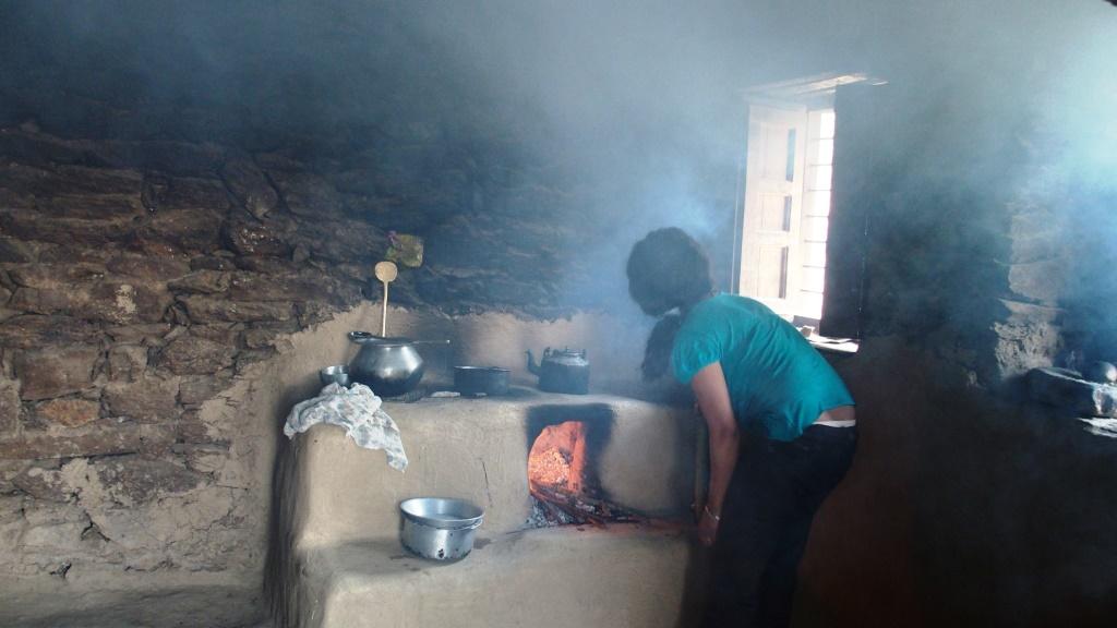 2016 foyer couvert, mais fumées toujours envahissantes.