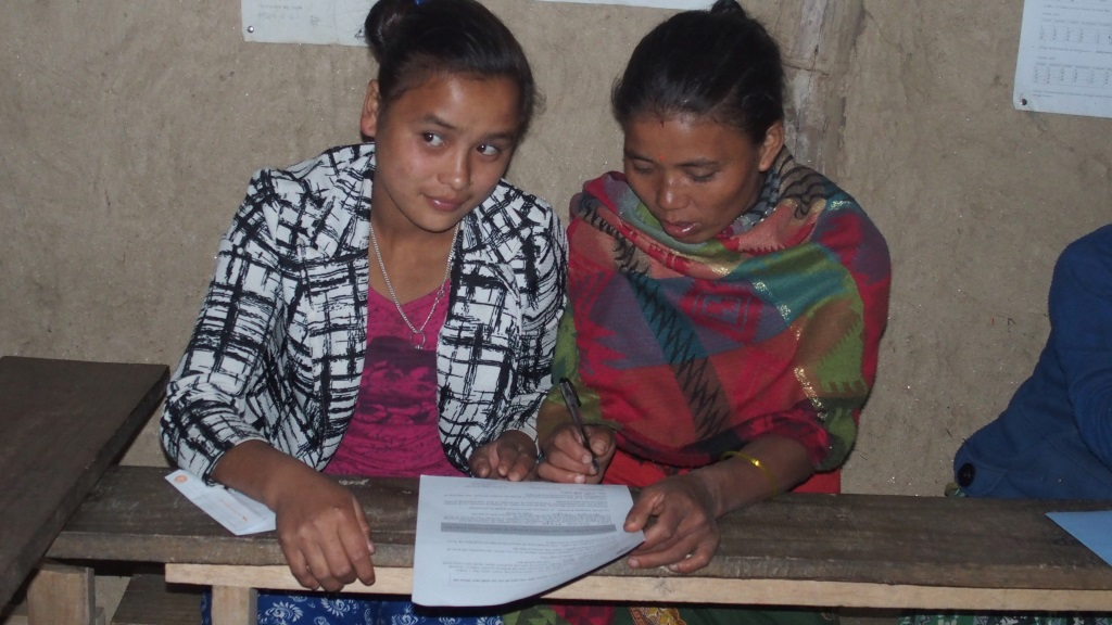 Signature de la charte: les parents doivent faire de l'école une priorité.