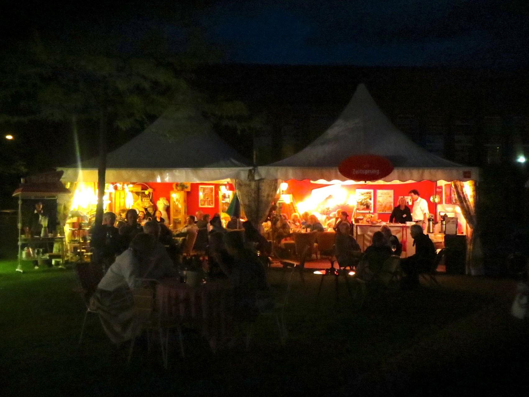 Cafè Zeitsprung bei Nacht. Dabei für die Hansetage in Lübeck  Mai 2014