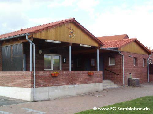 Das Vereinsheim mit Stadiongaststätte