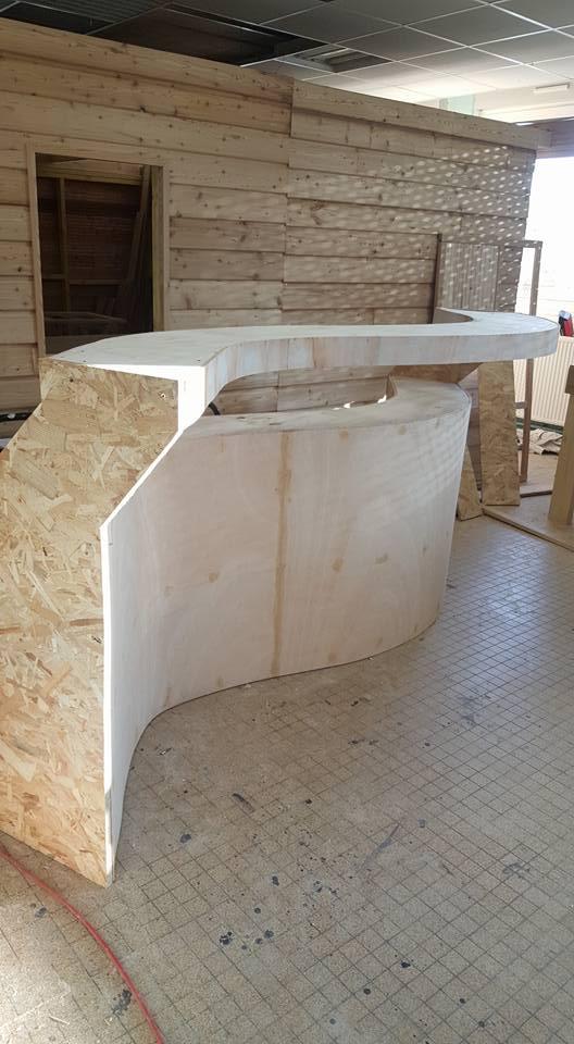 Fabrication du bar pour le foyer de l'école par les éléves de 1e année