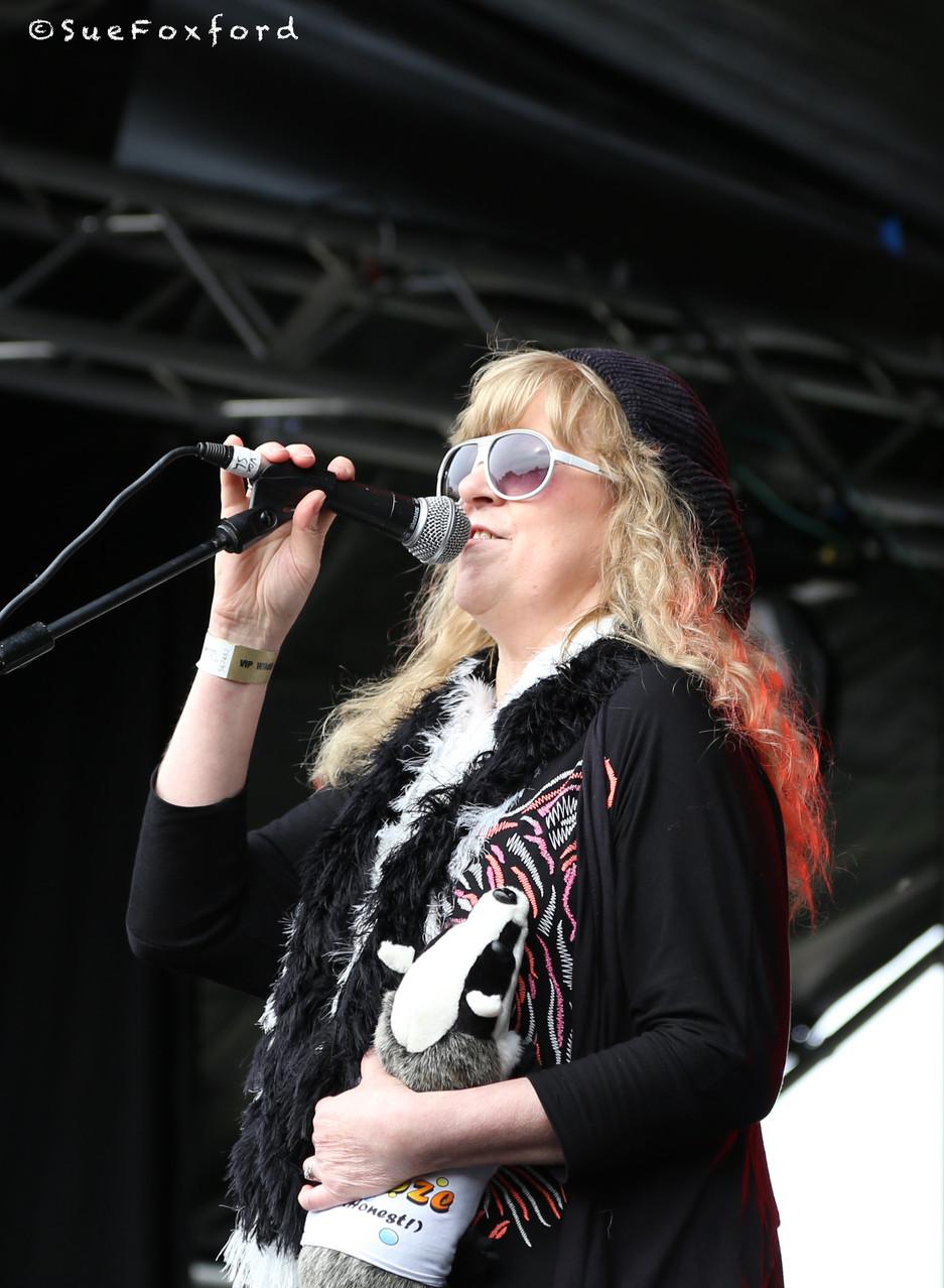 Shirley Higton  - @SueFoxford