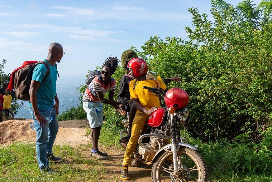 Hike or motortaxi in Uluguru