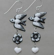 Bird /flower/heart earrings (black)