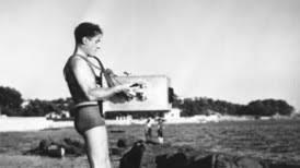 Jean Painlevé sur le tournage des Amours de la pieuvre