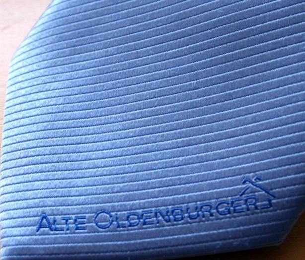 Krawatten Logo Vorderseite vorne rechts