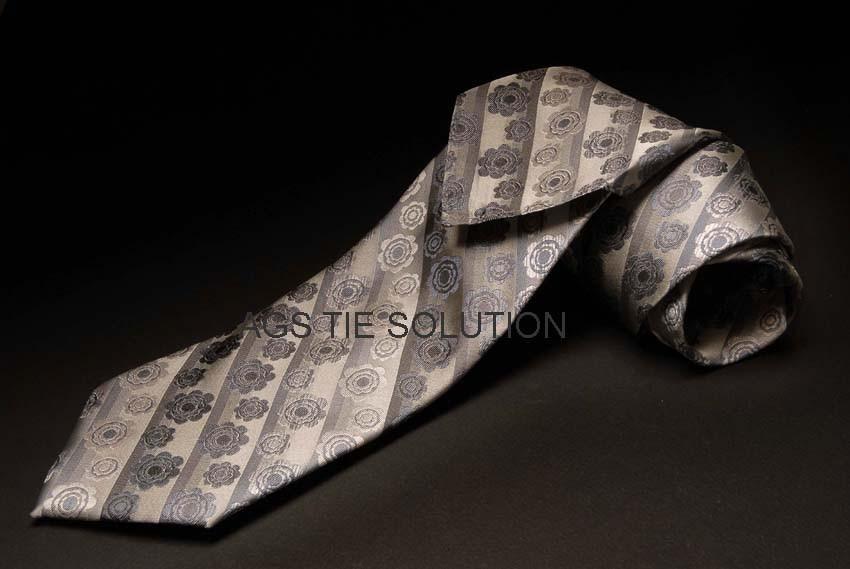 Sieben Falten Krawatte grau
