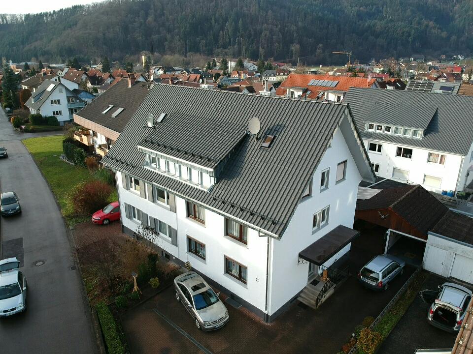 Doppelhausdachsanierung nachher Vorderseite