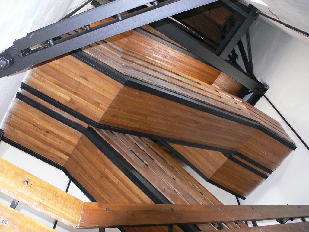 Holztreppen zur Turmstube FZ30