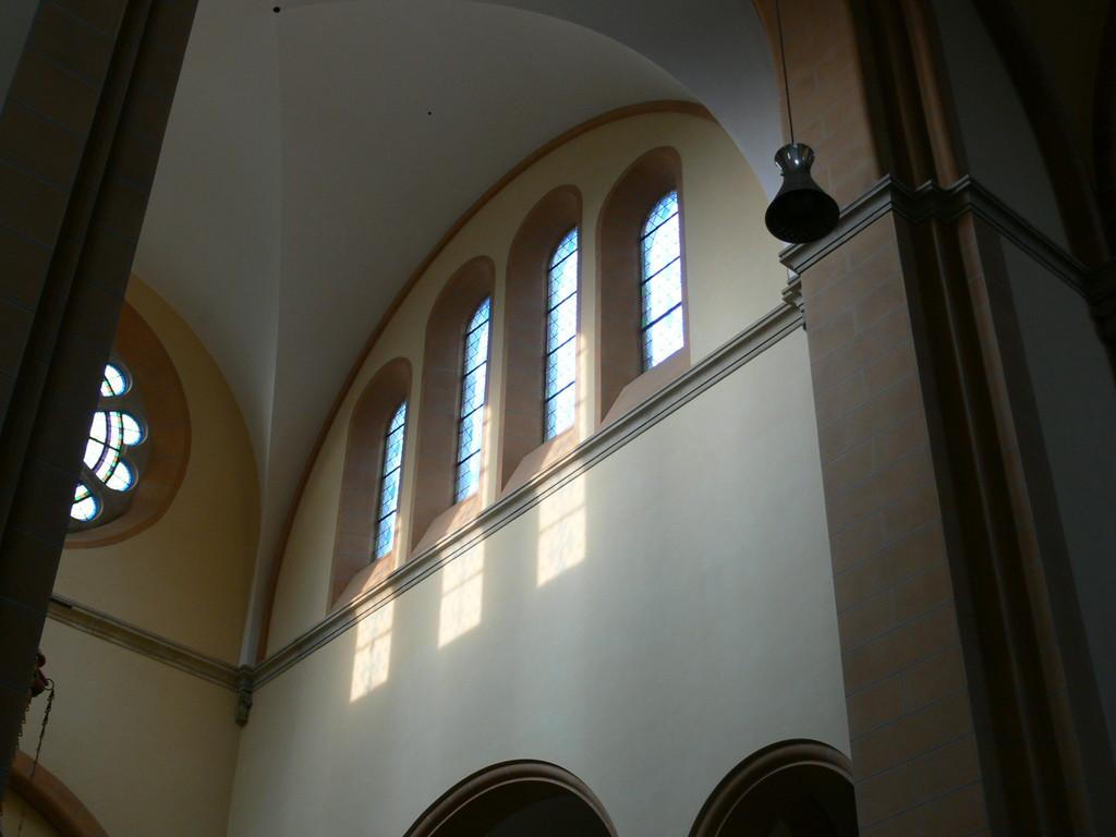 Franz von Assisi-Kirche am Mexikoplatz