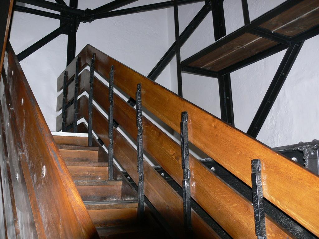 Aufstieg in die Rathausturmstube FZ30