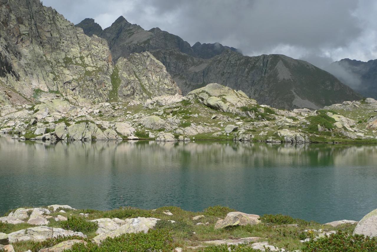Steinige Welt am Lago di Claus