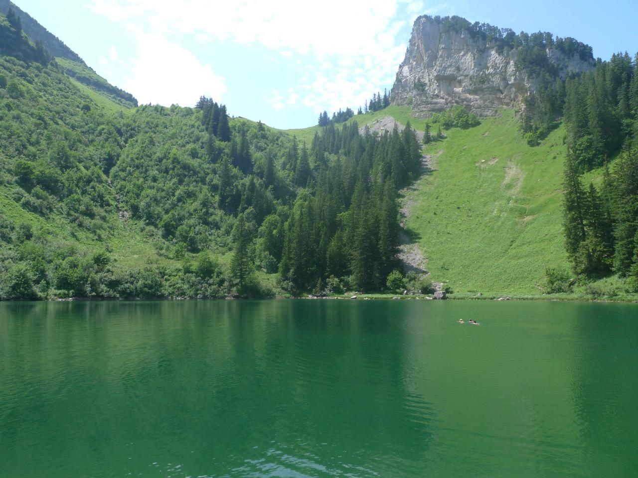 Willkommene Abkühlung im Alpler See