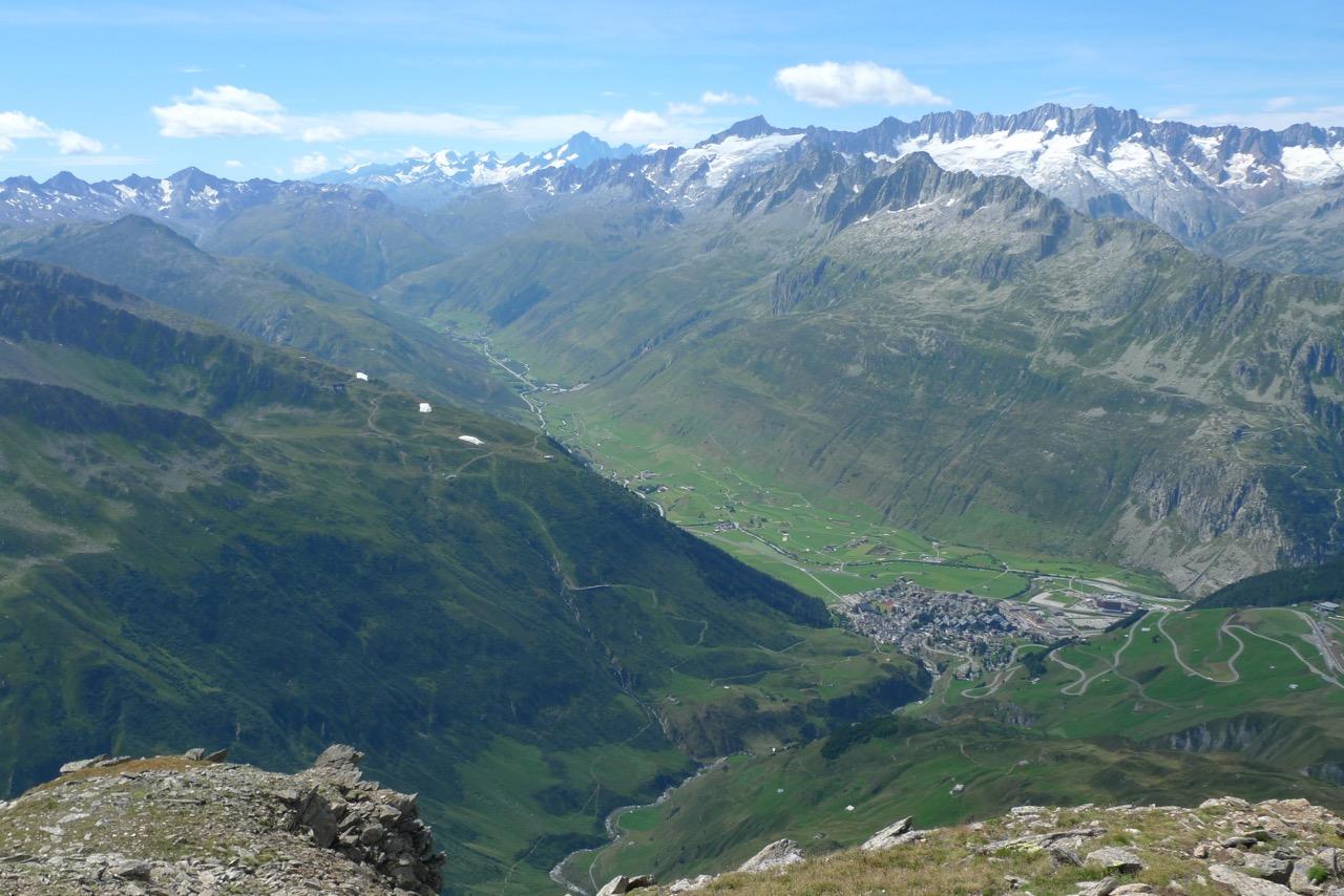 Blick vom Pazolastock nach Andermatt
