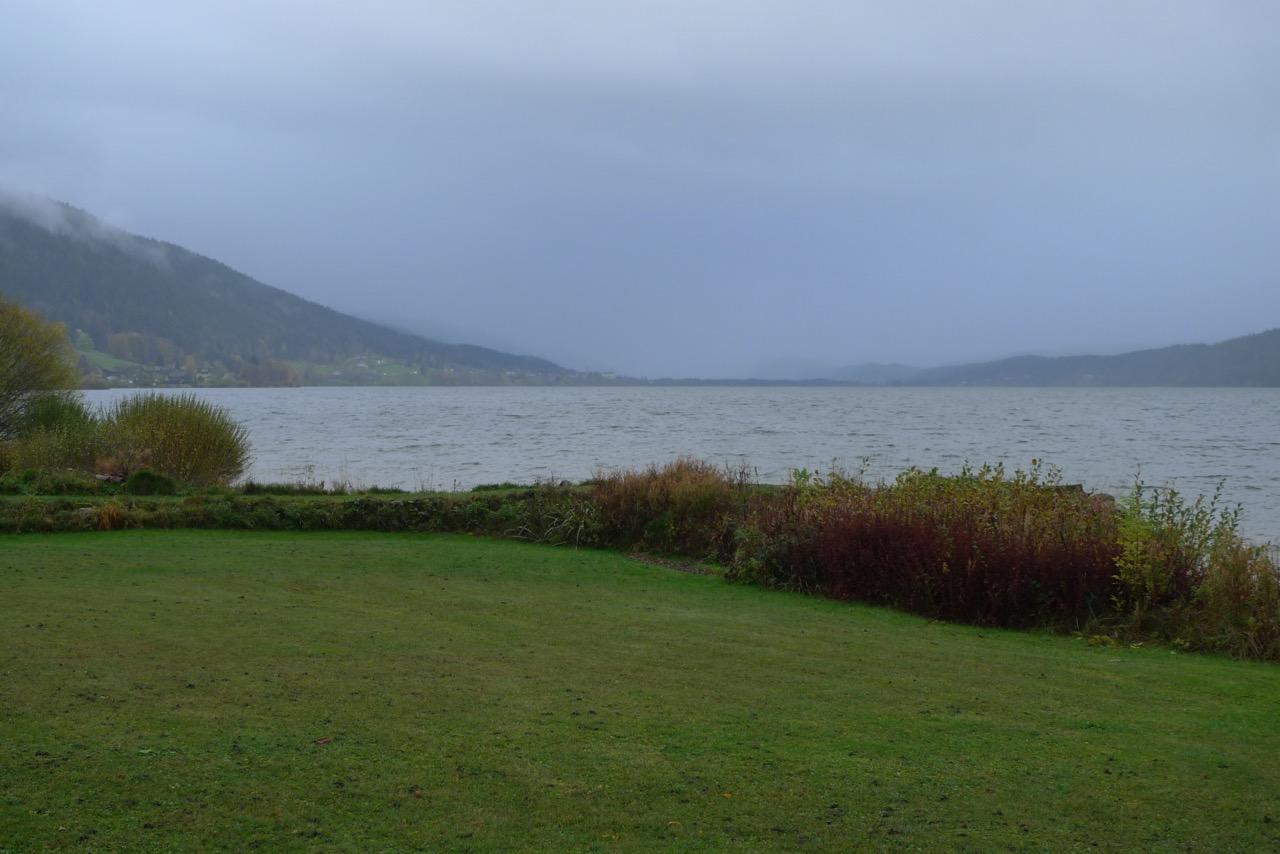 Auf dem Uferweg des Lac de Joux nach L'Abbaye