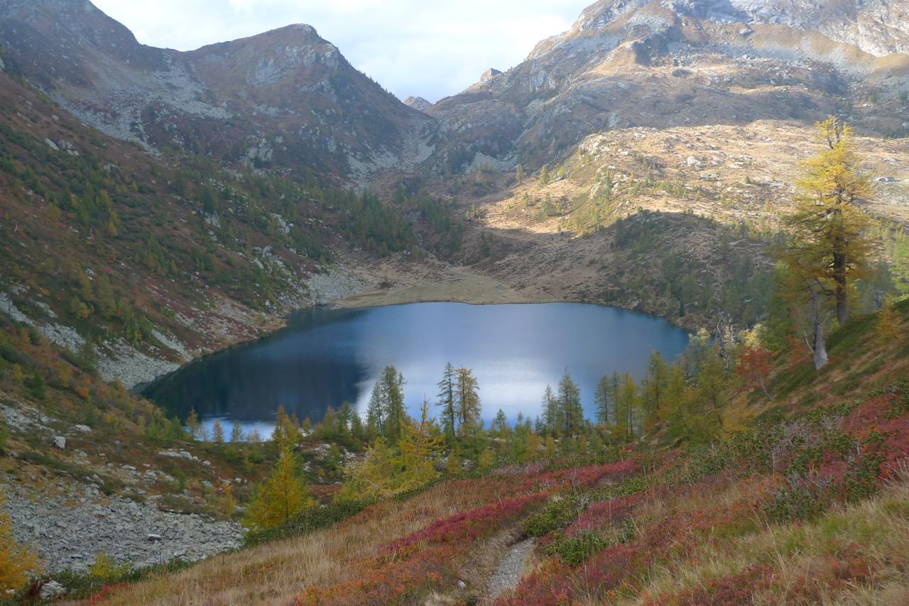 Oberhalb des Lago d'Alzasca