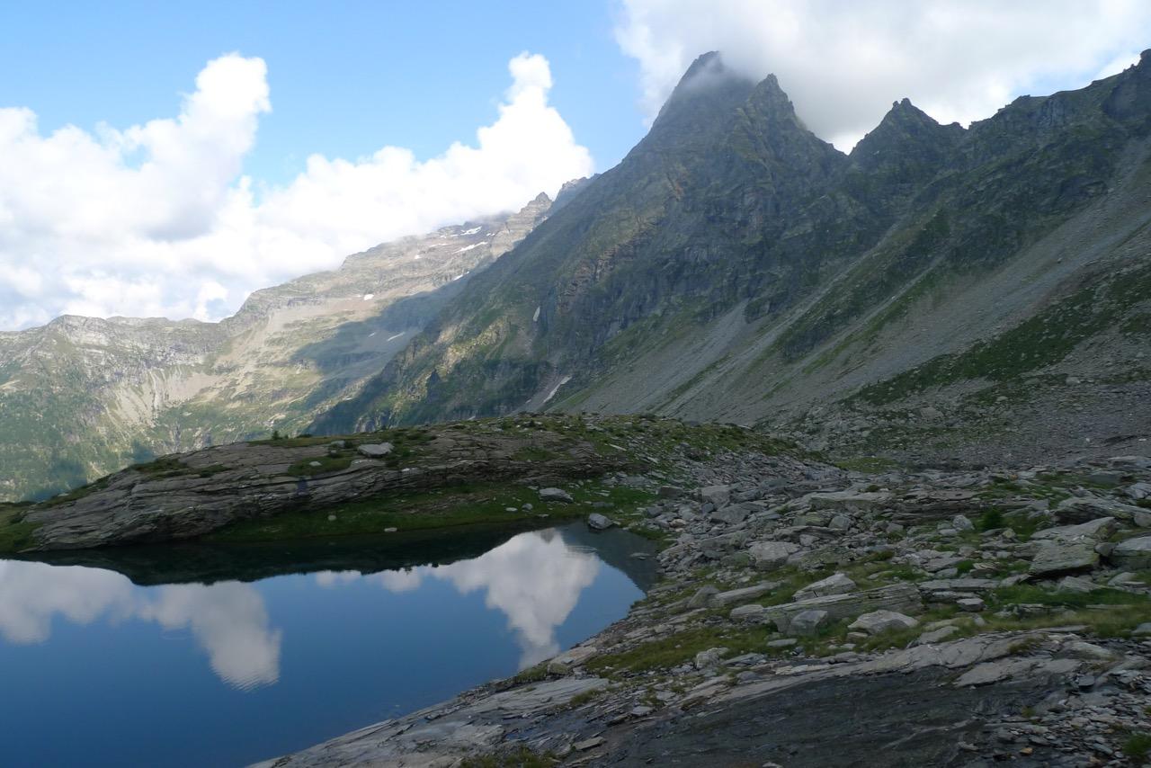 Laghetti di Cava mit dem Torrone Alto im Hintergrund