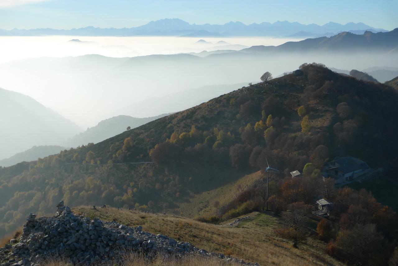 Blick vom Colmegnone zur Monte Rosa in der Ferne