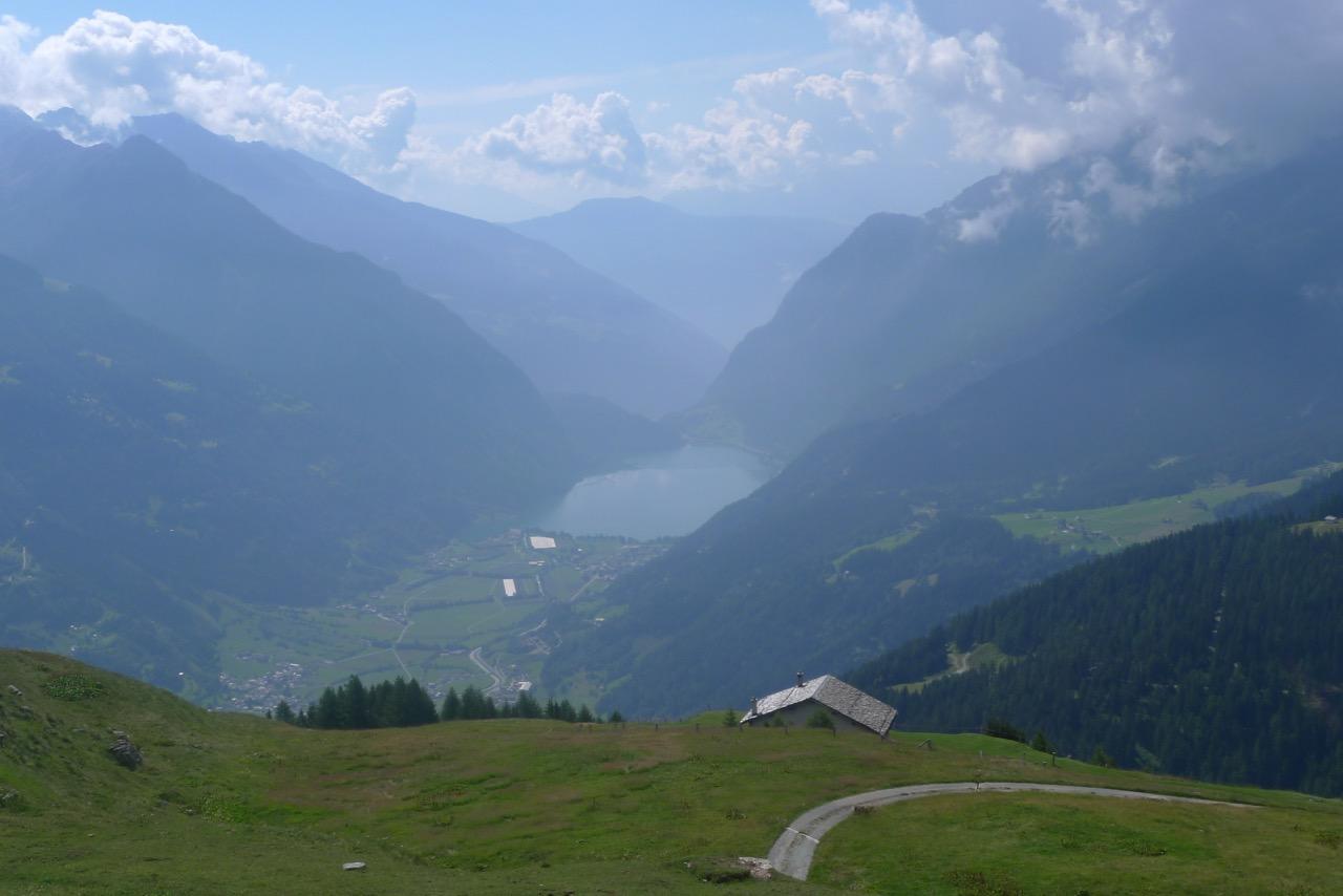 Tiefblick zum Lago di Poschiavo