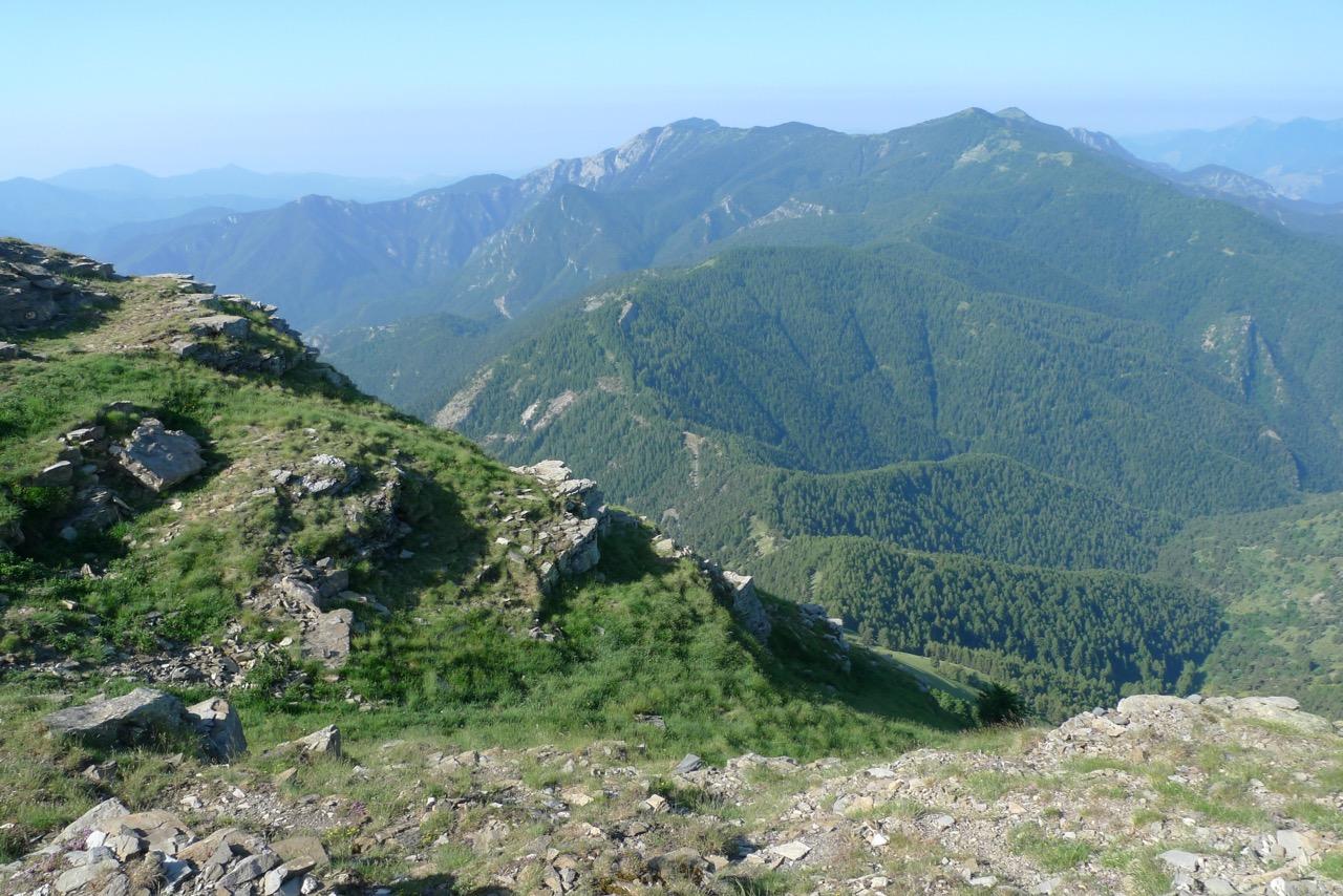 Blick vom Monte Saccarello auf die weitere Route Richtung Meer